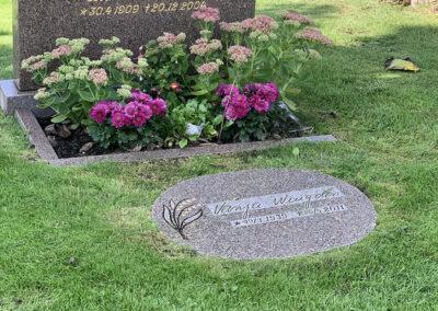 komplettering-av-gravsten-med-ny-platta